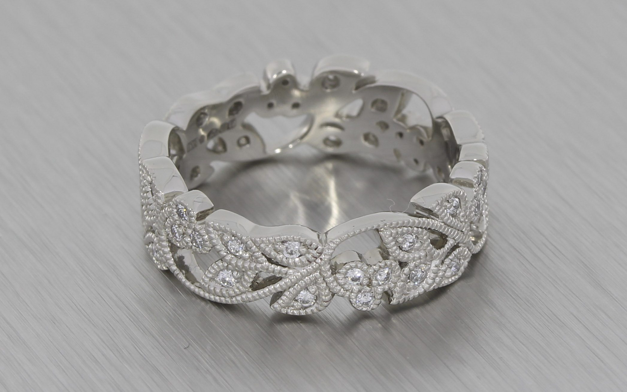 Stunning Vintage Floral Style Platinum Wedding Band With