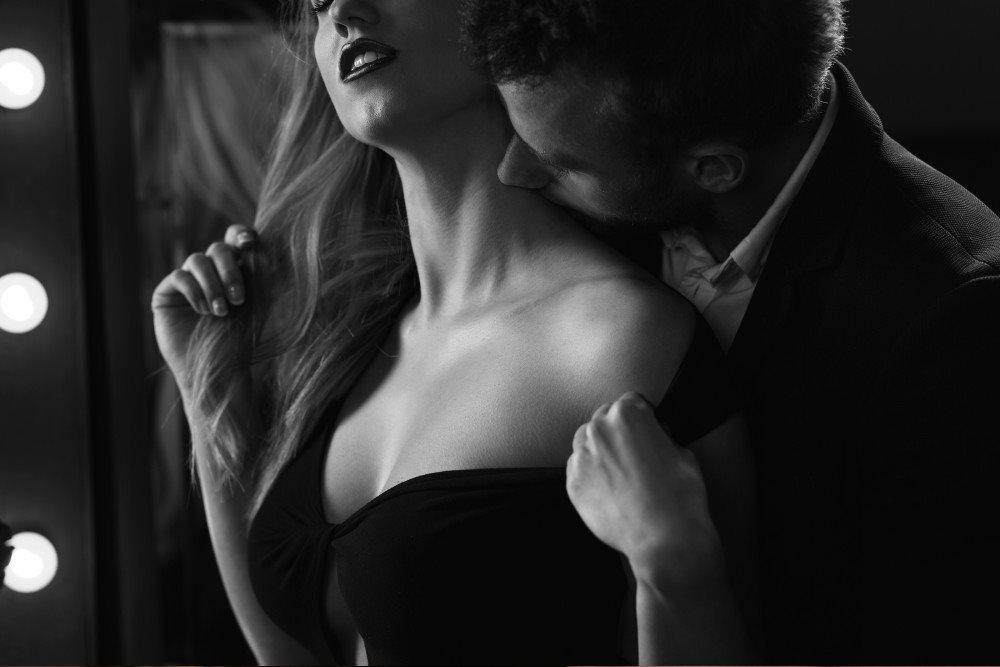 Iako mi daje svoje srce i dušu, želim i njeno telo.