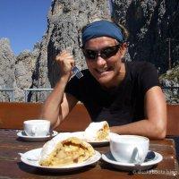 Apfelstrudelessen in den Dolomiten - allein dafür lohnt sich der Weg!