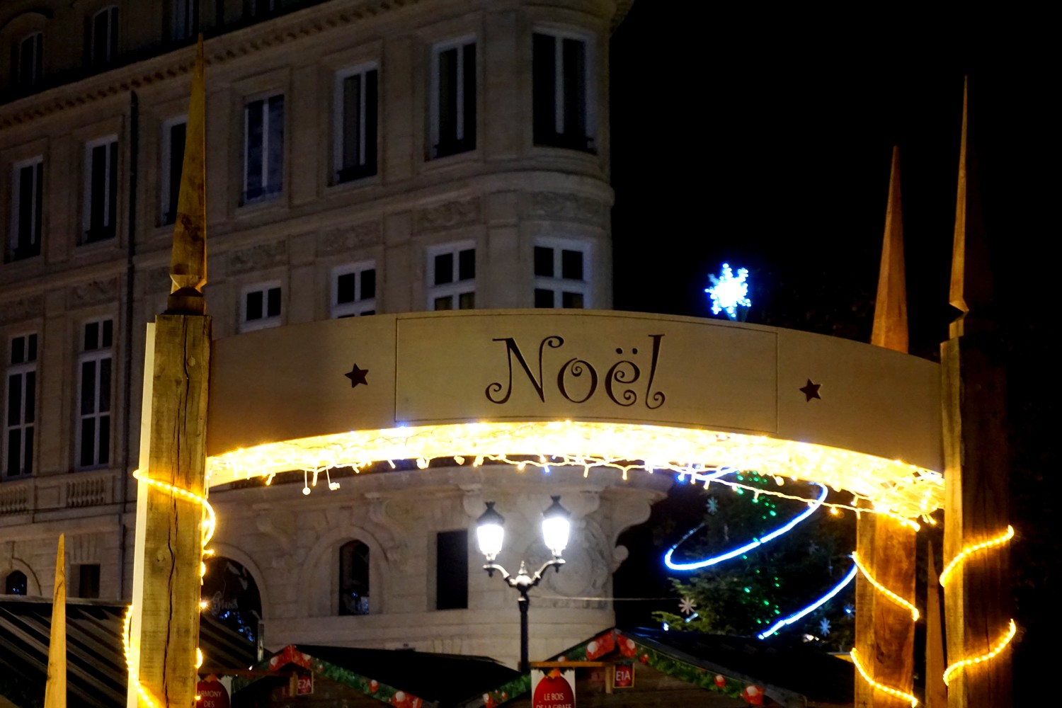 marche-de-noel-bordeaux-tourny-blog-couple-aquitaine-decorations-chalet-exposants-11