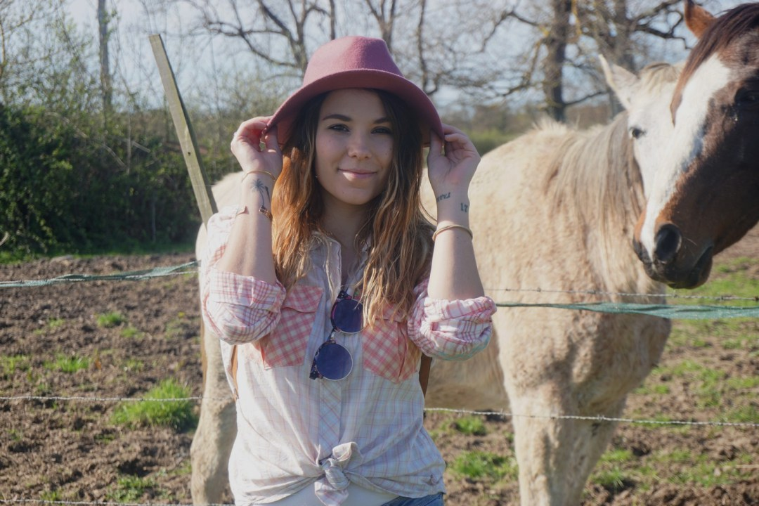 LOOK WESTERN GIRLY COW GIRL CHAPEAU ROSE BLOG MODE BORDEAUX FRANCE CORSE FASHION CENTRE EQUESTRE 03