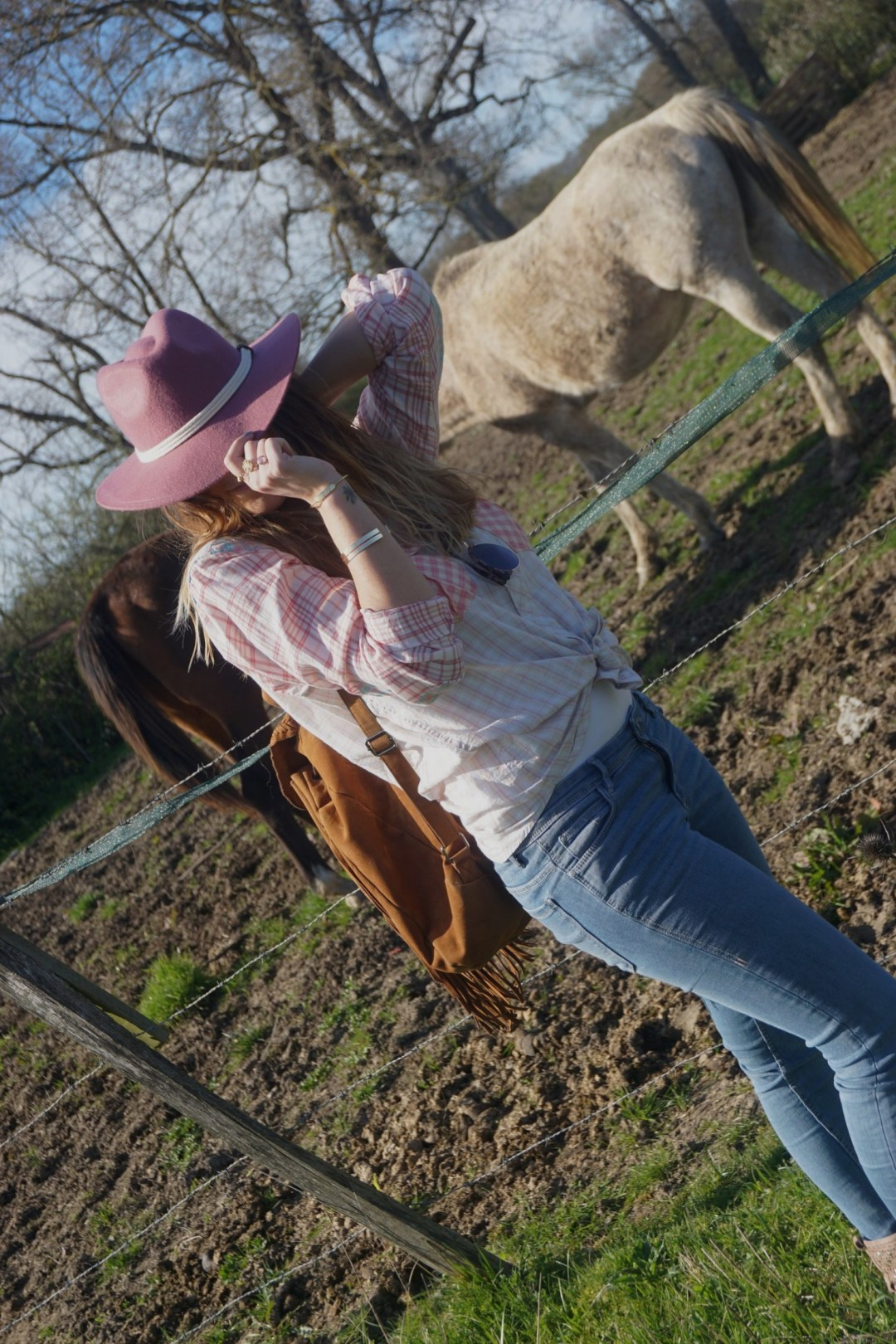 LOOK WESTERN GIRLY COW GIRL CHAPEAU ROSE BLOG MODE BORDEAUX FRANCE CORSE FASHION CENTRE EQUESTRE 04