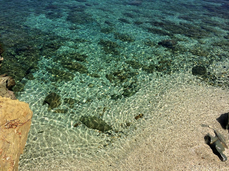 CRIQUE CAP CORSE CACHEE BLOG VOYAGE TOURISME BONNES ADRESSES PLAGE EAU TURQUOISE SANS TOURISTES 12