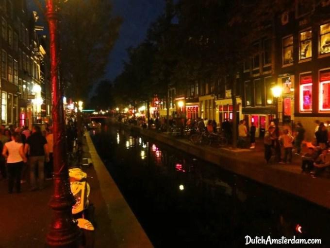 Oudezijds Achterburgwal canal