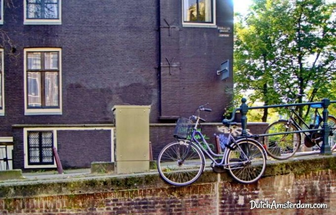 bicycle parked at Brouwersgracht