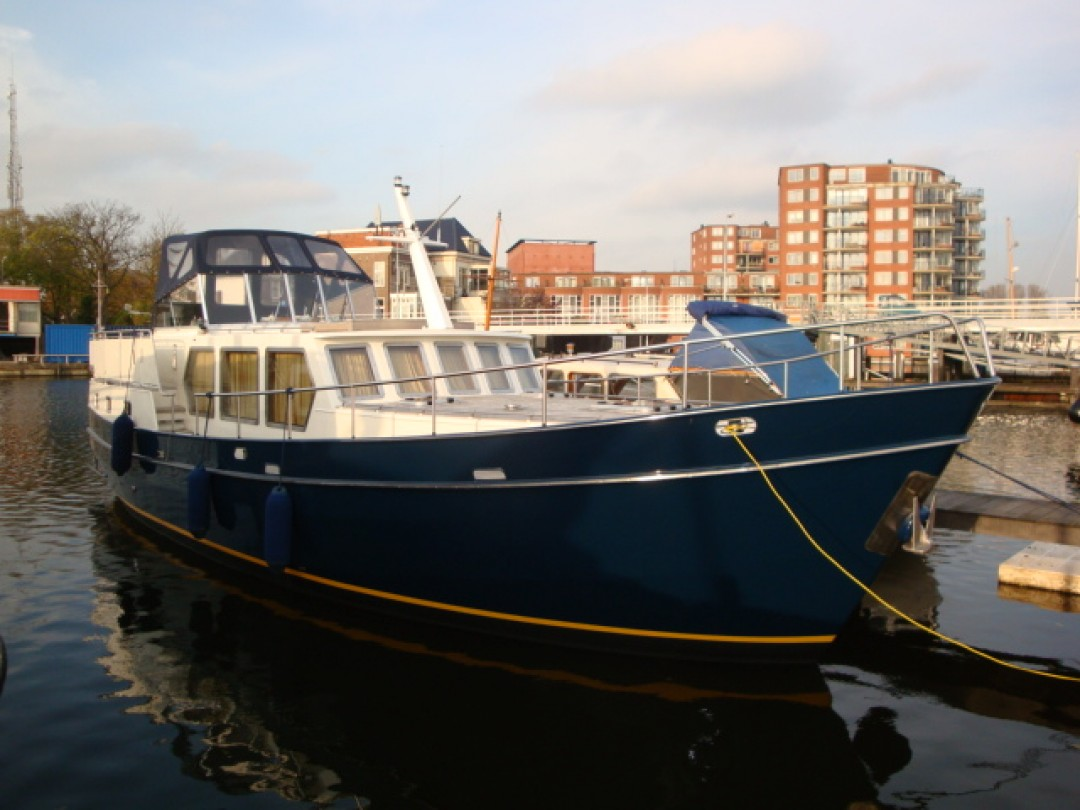 Motor Cruiseers And Boats For Salotor Cruiseers And Boats