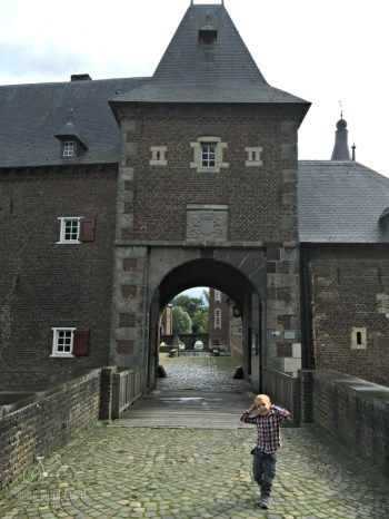Draw Bridge into Castle