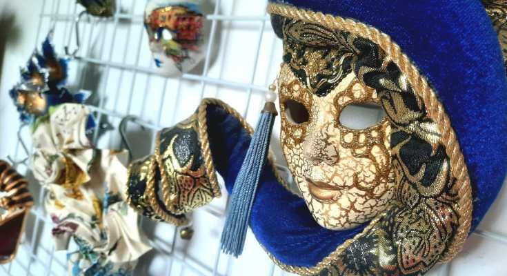 Verzameling-venetiaanse-maskers