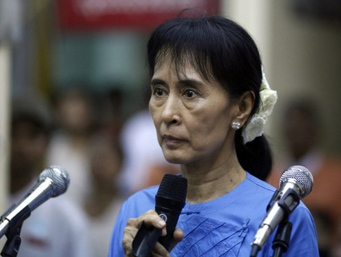 Armed groups urge Suu Kyi mediation thumbnail