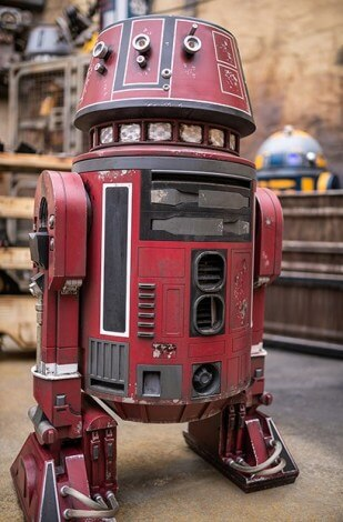 Star Wars Land Galaxy's Edge red droid
