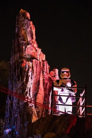Star Wars Galaxy's Edge Stormtrooper