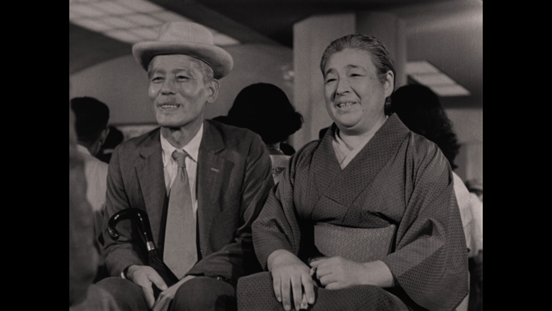 https://i2.wp.com/www.dvdbeaver.com/film4/blu-ray_reviews_59/tokyo_story_blu-ray_/large/large_tokyo_story_blu-ray_02x.jpg