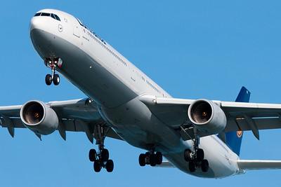 Lufthansa A340-600 to Boston