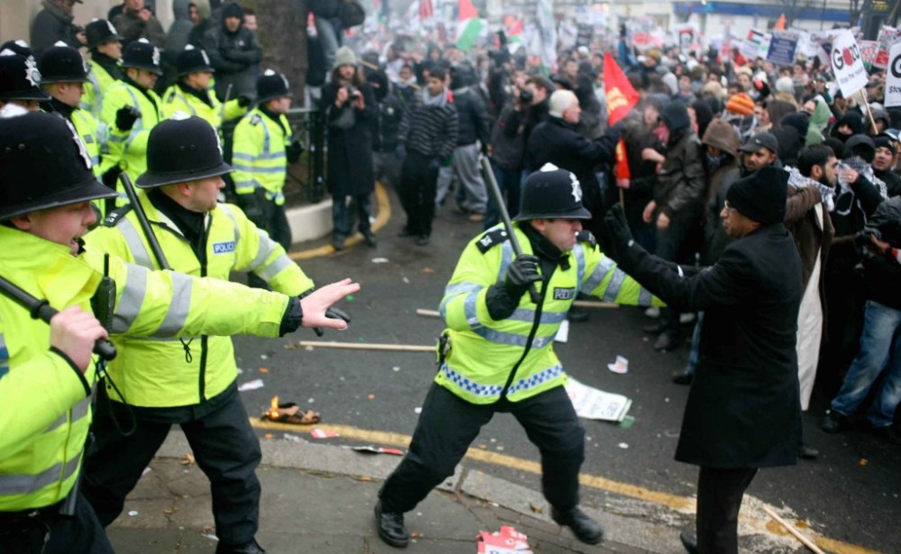 Why Would London Police use Agents Provocateurs to Incite the G20 ...