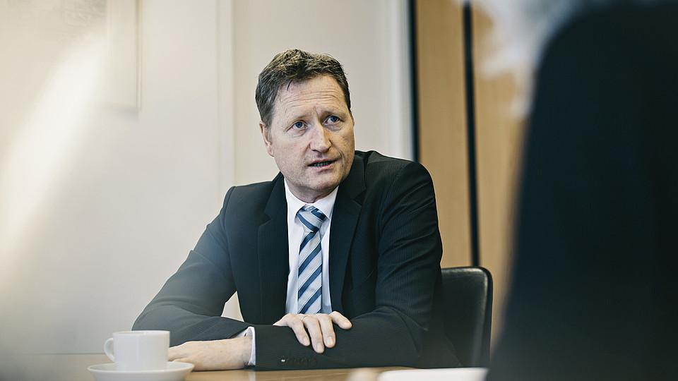 """Klaus Bonhoff – Der """"Wasserstoffmann"""" im Ministerium"""