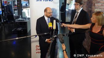 Να σταματήσουν οι συνεχιζόμενες επιβαρύνσεις για τα λαϊκά στρώματα σε χώρες που πλήττονται από την κρίση, ζήτησε ο πρόεδρος του Ευρωκοινοβουλίου Μ. Σουλτς