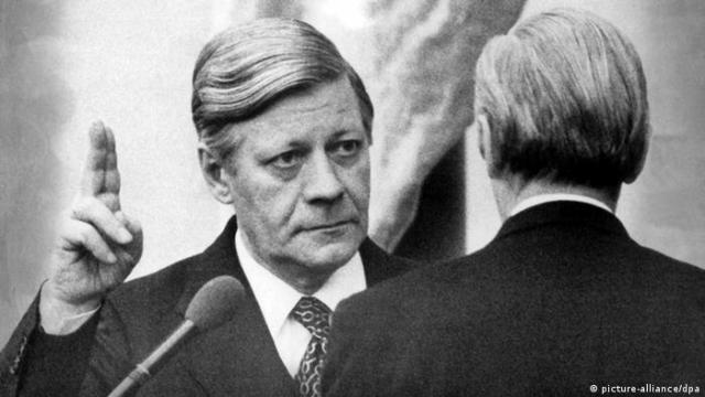 Bundeskanzler Helmut Schmidt (picture-alliance / dpa)
