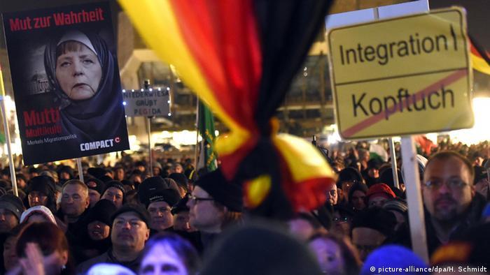 Image result for антиисламская демонстрация германия