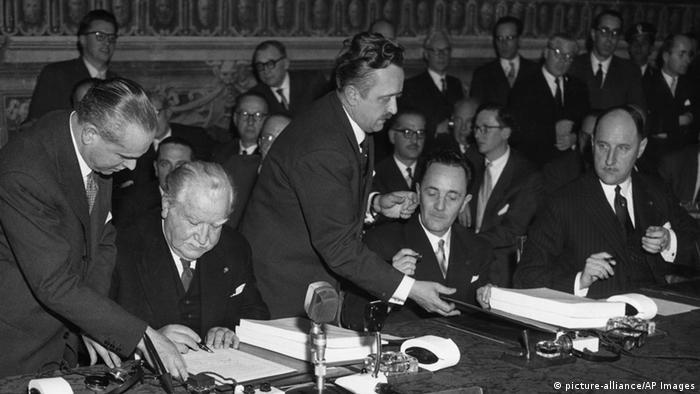 Unterzeichnung Römische Verträge 1957 (picture-alliance/AP Images)