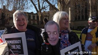 Brexit Befürworter vor dem Parlamentsgebäude in London (imago/ZUMA Press)