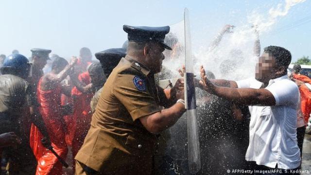 Sri Lanka Port Protest (AFP/Getty Images/AFP/I. S. Kodikara)