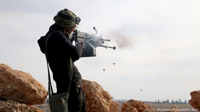 Syrien Aleppo al-Bab Operation Euphrates Shield FSA Kämpfer (picture-alliance/AA/H. Nasir)