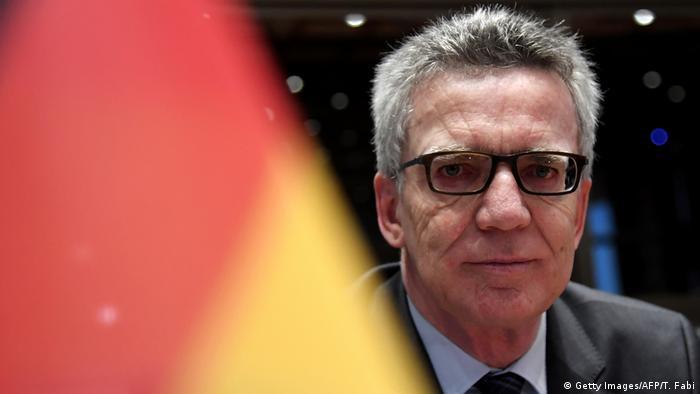 Italien Treffen Innenminister zum Thema Migration | Thomas de Maizière (Getty Images/AFP/T. Fabi)