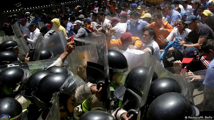 Venezuela Proteste in Caracas (Reuters/M. Bello)