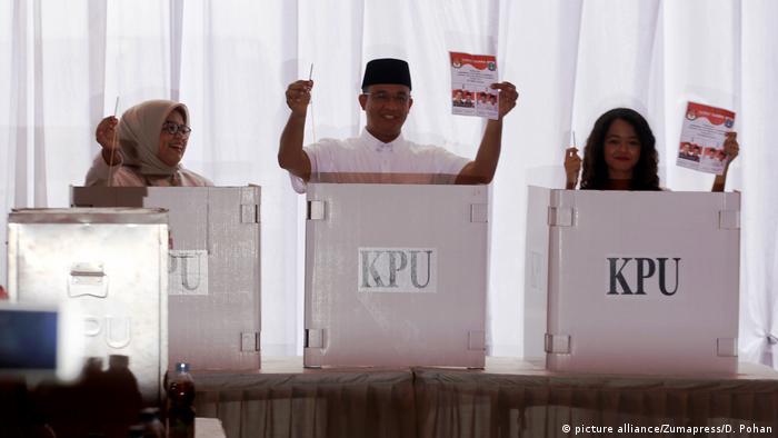 Indenosien Wahlen Anies Baswedan (picture alliance/Zumapress/D. Pohan)