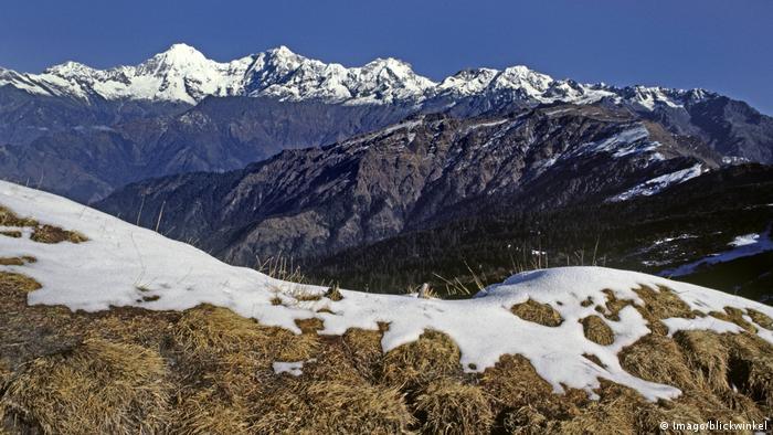 Nepal Himalajagipfel in Ganesh Himal (Imago/blickwinkel)