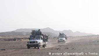 Migrants on trucks in Chad (picture alliance/dpa/D. v. Trotha)