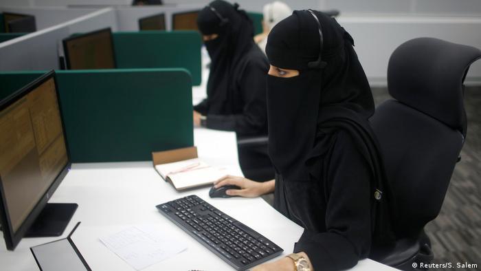 تحليل ترحيل العمال الوافدين عن السعودية ولا حديث عن وجهتهم