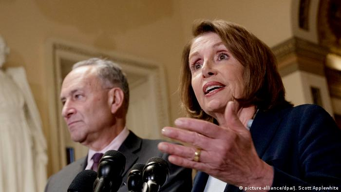 Democratic lawmakers Nancy Pelosi and Chuck Schumer (picture-alliance/dpa/J. Scott Applewhite)