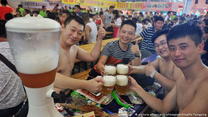 Oktoberfest em Qingdao, na China