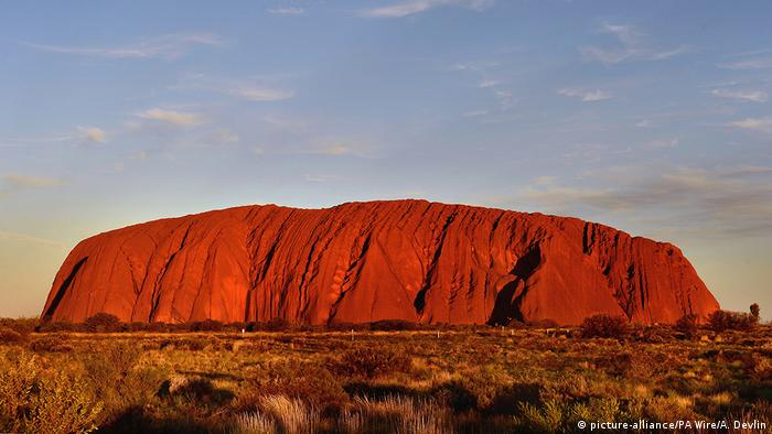 Australien Ayers Rock Uluru (picture-alliance/PA Wire/A. Devlin)