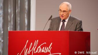 Lev Gudkov winning the Lev Kopelev Prize on November 26 in Cologne (DW/E. Nikizad)