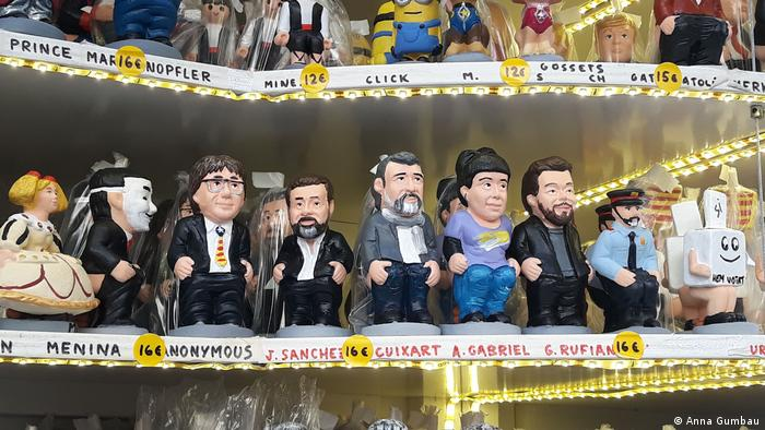 Caganers of politicians on display in a Barcelona store (Anna Gumbau)