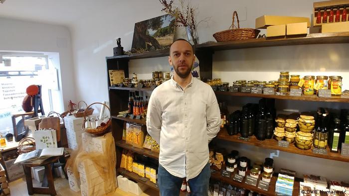 Mario Harapin verkauft kroatische Delikatessen in Österreich (DW/E.Numanović)
