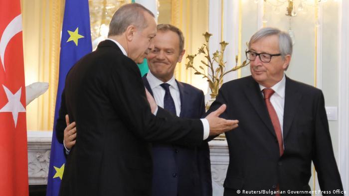 Bulgarien Warna EU Türkei Gipfel Erdogan, Donald Tusk und Jean-Claude Juncker (Reuters/Bulgarian Government Press Office)
