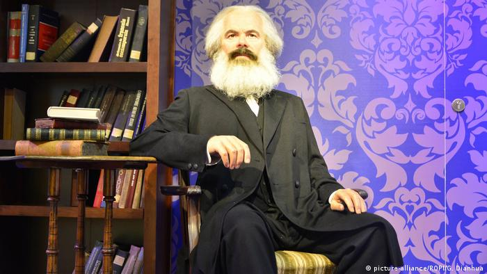 China Waxfigur von Karl Marx bei Madame Tussauds in Peking (picture-alliance/ROPI/G. Dianhua)