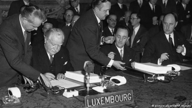 Rom, Italien: Römische Verträge 1957 (picture-alliance / AP Images)