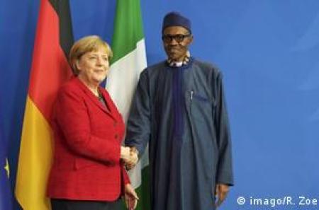 Angela Merkel et Muhammadu Buharie en 2016 à Berlin