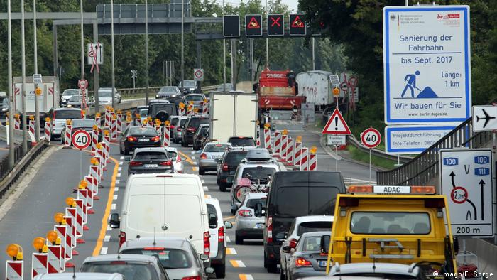 Germany traffic jam on the highway - construction site (Imago / F. Sorge)