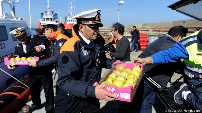 Italy Food for the Sea-Watch 3 (Reuters / G. Mangiapane)