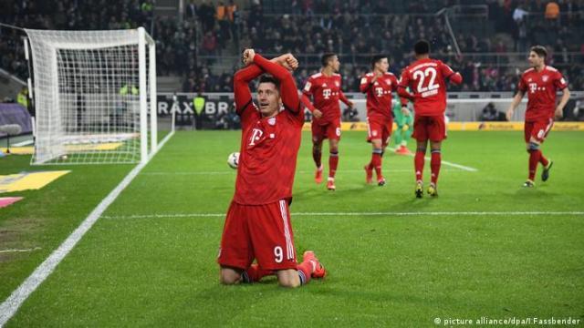 Bundesliga - Borussia Moenchengladbach gegen Bayern München Tor zum 1: 3 (picture alliance / dpa / I.Fassbender)