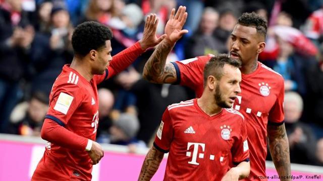 Bundesliga FC Bayern München v VfL Wolfsburg | Jubel (picture-alliance / dpa / P. Kneffel)