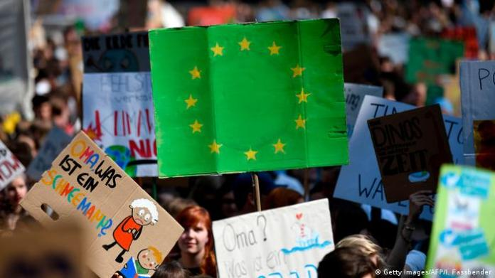 Friday's protest for the future, featuring the EU green plaque