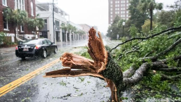 North and South Carolina began to feel the force of torrential rains and the fierce winds brought by Hurricane Dorian on Thursday, as it approached the east coast of the United States, after leaving devastation and causing at least 20 deaths to Your time in the Bahamas. (4.09.2019).