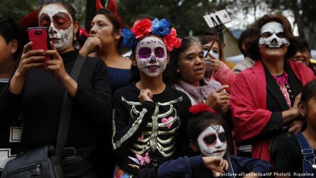 Mexiko | Day of the Dead (picture-alliance/dpa/AP Photo/G. Riquelme)