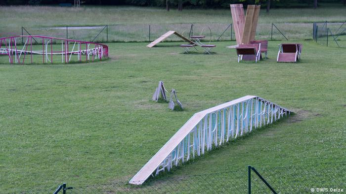 A sculpture park for dogs at dCOUMENTA (13)